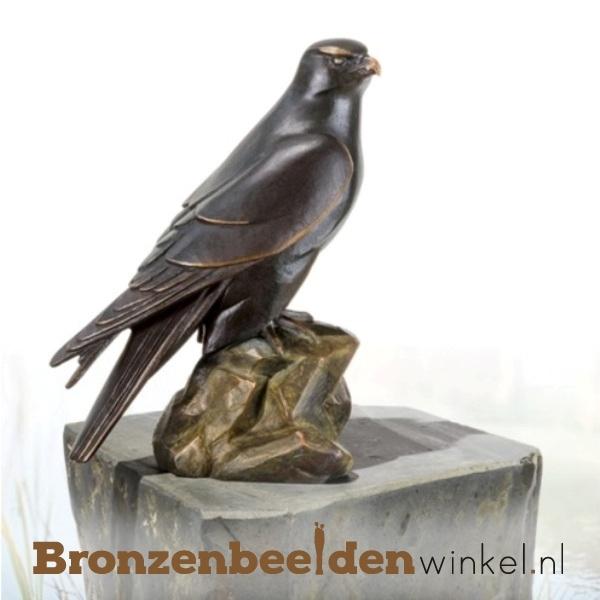 Bronzen tuinbeeld valk BBW37249