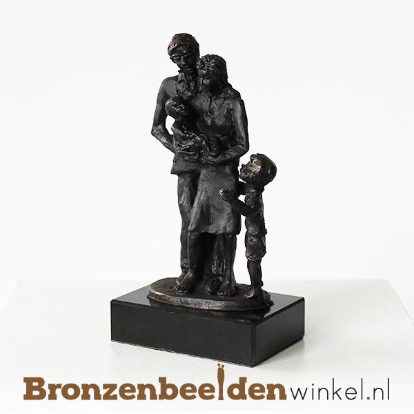 """Geboortegeschenk """"Gezin met zoon en baby"""" BBW003br15"""