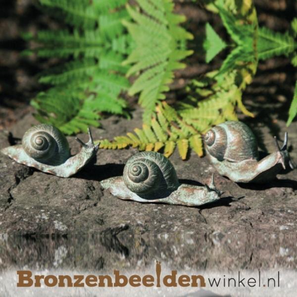 Drie bronzen slakkenbeeldjes BBW37995