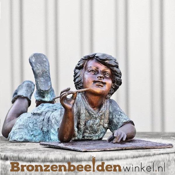 """Kinderbeeld """"Het Studerende Jongetje"""" brons BBW51331br"""