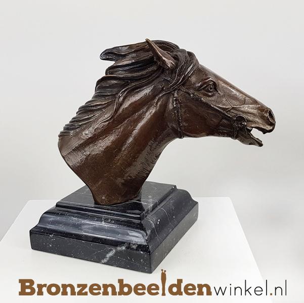Beeld paardenhoofd op voet BBW1152br