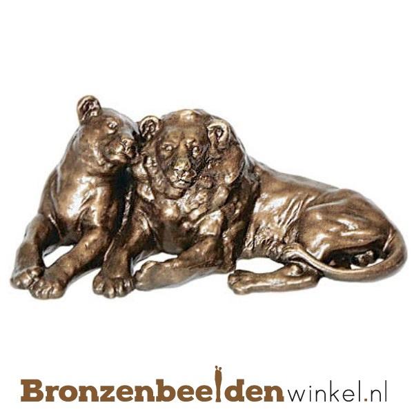 Dierenbeeldje leeuwenpaar van brons BBWP4467