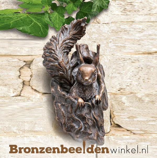 """Beeld eekhoorn """"Op de uitkijk"""" BBW37287"""