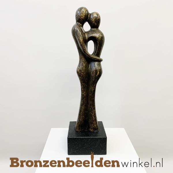 """Bronzen koppel """"Prachtig paar op sokkel"""" als huwelijkscadeau BBW0718BR"""