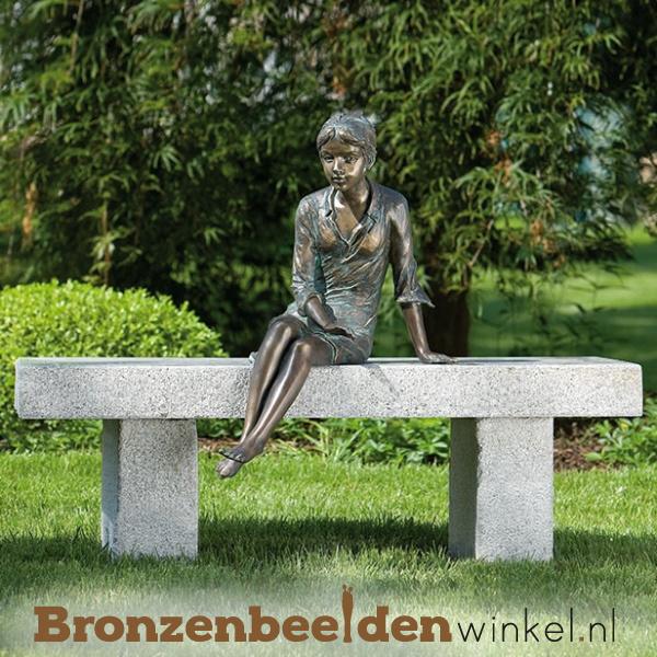 """Tuinbeeld zittend meisje """"Birgit"""" BBWR88178"""