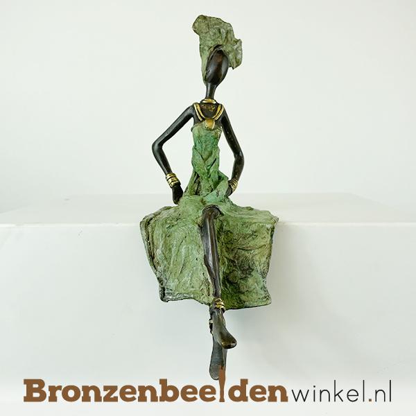 """Zittend Afrikaanse vrouwenbeeld """"Ayanna """" 24cm BBW009br32"""