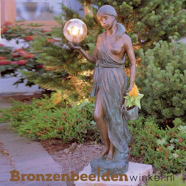 Vrouwen tuinbeeld met verlichting BBWR88124