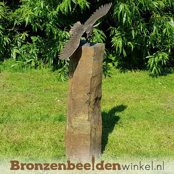 Tuinbeeld zeearend op Basalt sokkel BBW1249br