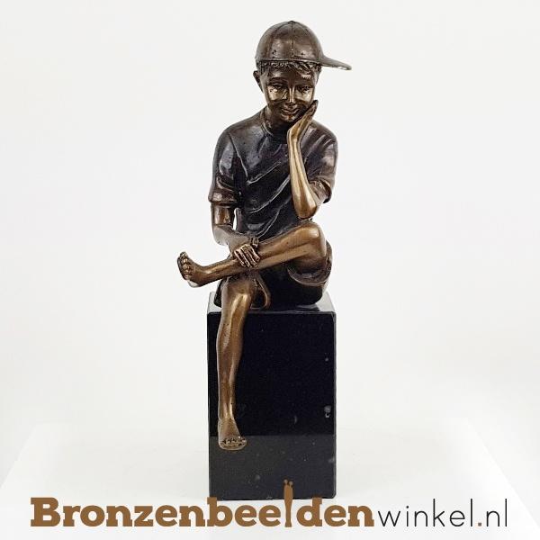 Kleine bronzen jongen met pet BBW1246br