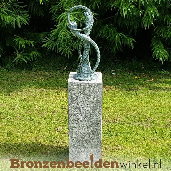 """Huwelijkscadeau tuinbeeld """"De Oneindige Dans"""" incl. sokkel"""