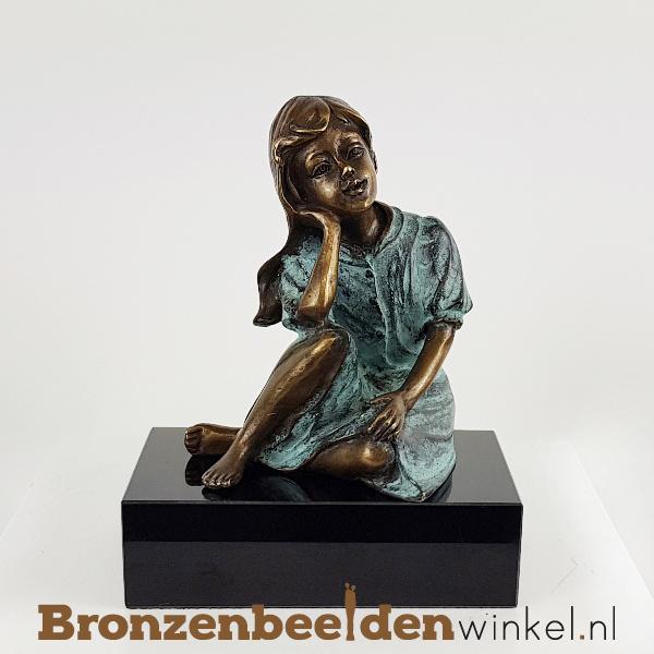 Kinderbeeldje meisje in brons BBW1443br