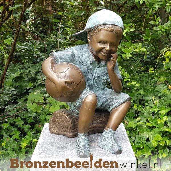 NR 6 | Aandenken overleden kind ''Bronzen jongen met bal'' BBW1957br