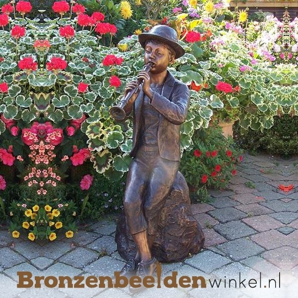 Bronzen fluitspelende jongen tuinbeeld BBW0603br