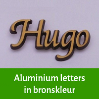 aluminium letters bronskleurig