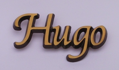 bronskleurige letters, letters brons
