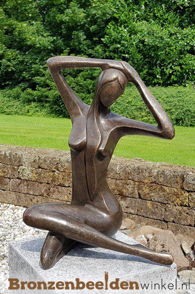bronzen beeld vrouw, beelden van vrouwen