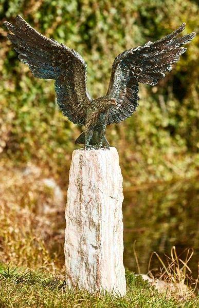 tuinbeeld adelaar, adelaar beeld voor in de tuin
