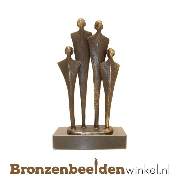 Beeldje gezin, bronzen beeld gezin