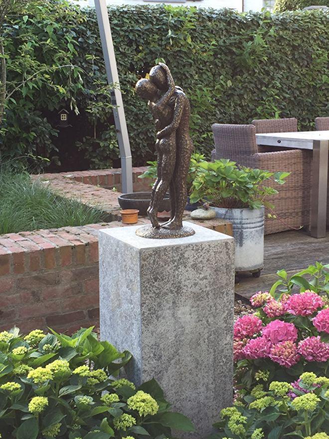 Bronzen beeld Delft , tuinbeeld