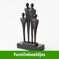 Familiebeeldje ter nagedachtenis aan overlijden kind