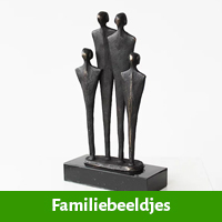 Familiebeeldje ter nagedachtenis aan overlijden vader