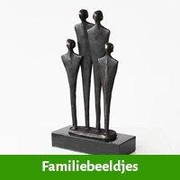 familie beeldjes als cadeau voor broer
