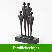 Familie beeldjes als 50  jaar getrouwd cadeau