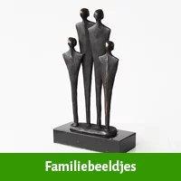 Familie beeldjes als huwelijkscadeau voor zus