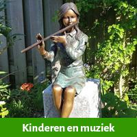 fluitspelende jongen, fluitspelende meisje