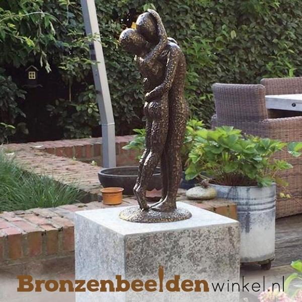 Liefdes tuinbeeld geplaatst