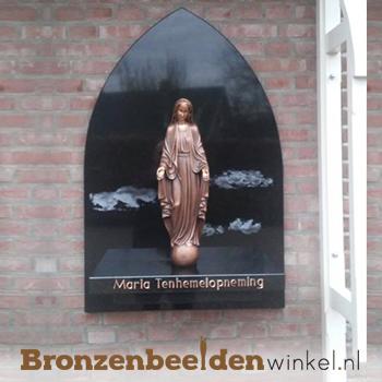 Mariabeeld op hangend plateu