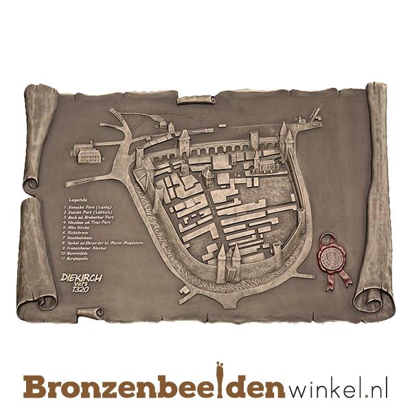 bronzen plaat stad