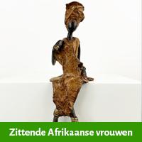 zittende afrikaansevrouwen beelden 22 cm hoog