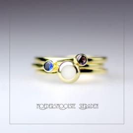 Set Cloris gouden ringen met moedermelk-bol en twee geboortestenen
