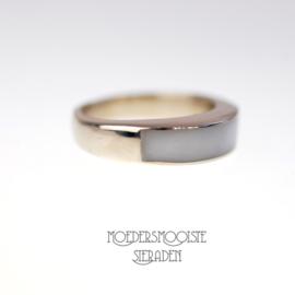 Ring Minimal Design Moedermelk Witgoud