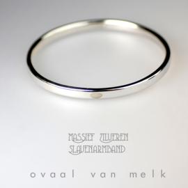 Massief zilveren slaven-armband met ovaal van melk