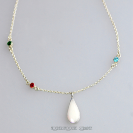 Collier Elegant Drop of Milk met geboortestenen
