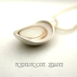 Moedermelk Collier One Love