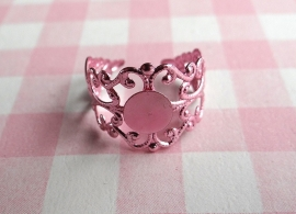 Filigraan ring metallic roze