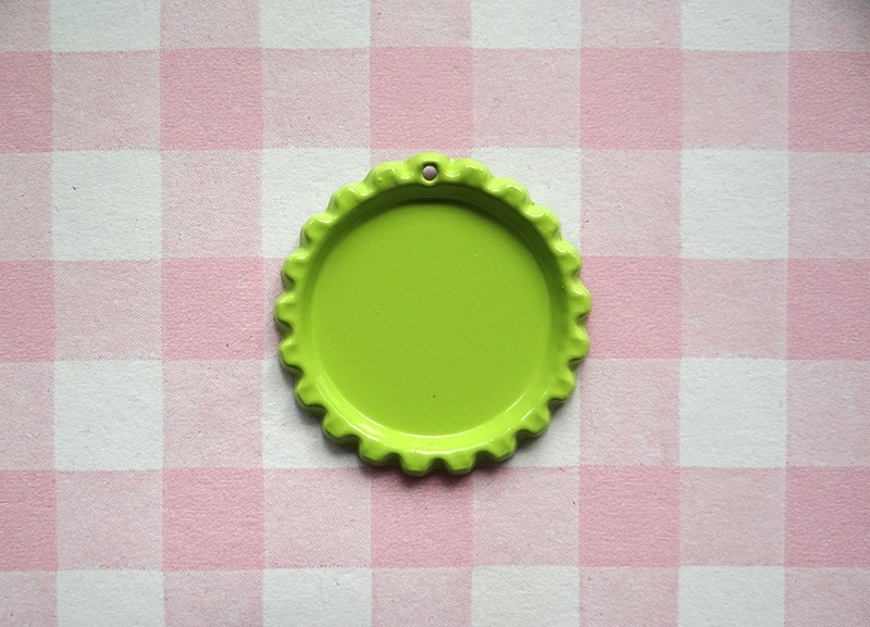 Bottle cap lime