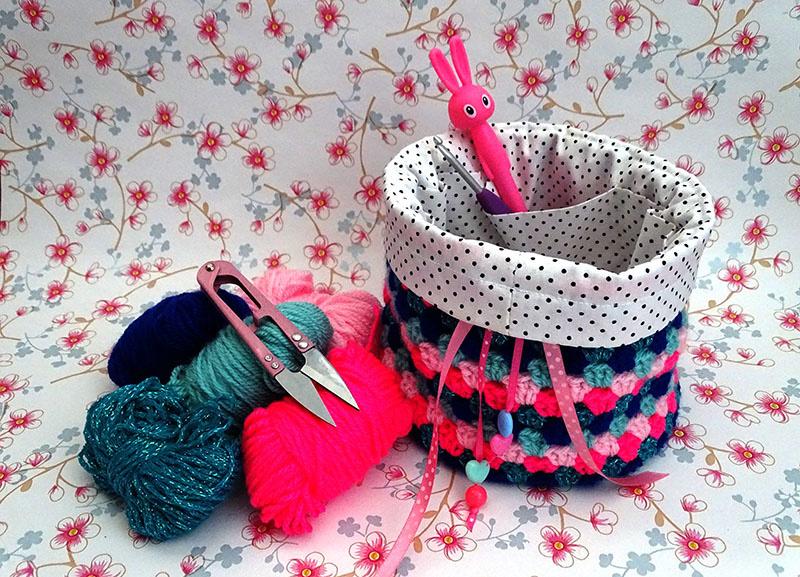 Haakpatroon en werkbeschrijving mini granny project bag