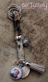 Foto sleutelhanger vachtleer koeienhuid met foto en bedels