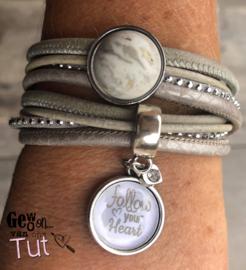 Armband wrap grey/white met tekstbedel