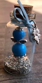 Geluksengeltje in wensflesje, met handgemaakt tekstlabel   turquoise