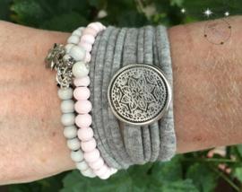 Stretchy Wrap met kralenbandjes Grey Pink
