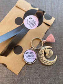 Mama sleutelhanger roze in cadeauverpakking