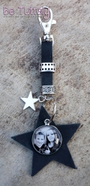 Sleutel / tashanger buffel volnerf met ster en foto/tekst zwart