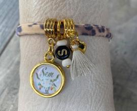 M&M armbandje naambedel en inital; kies kleurtjes en printje