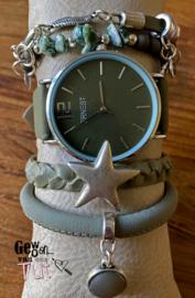 Horloge met armbanden green