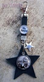 Sleutel / tashanger buffel volnerf met ster, foto en tekst zwart